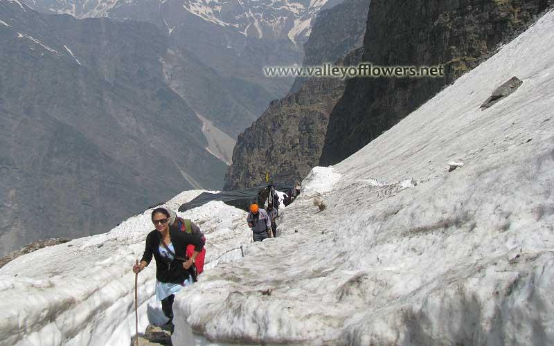 Trekking to Hemkund Sahib in first week of June.